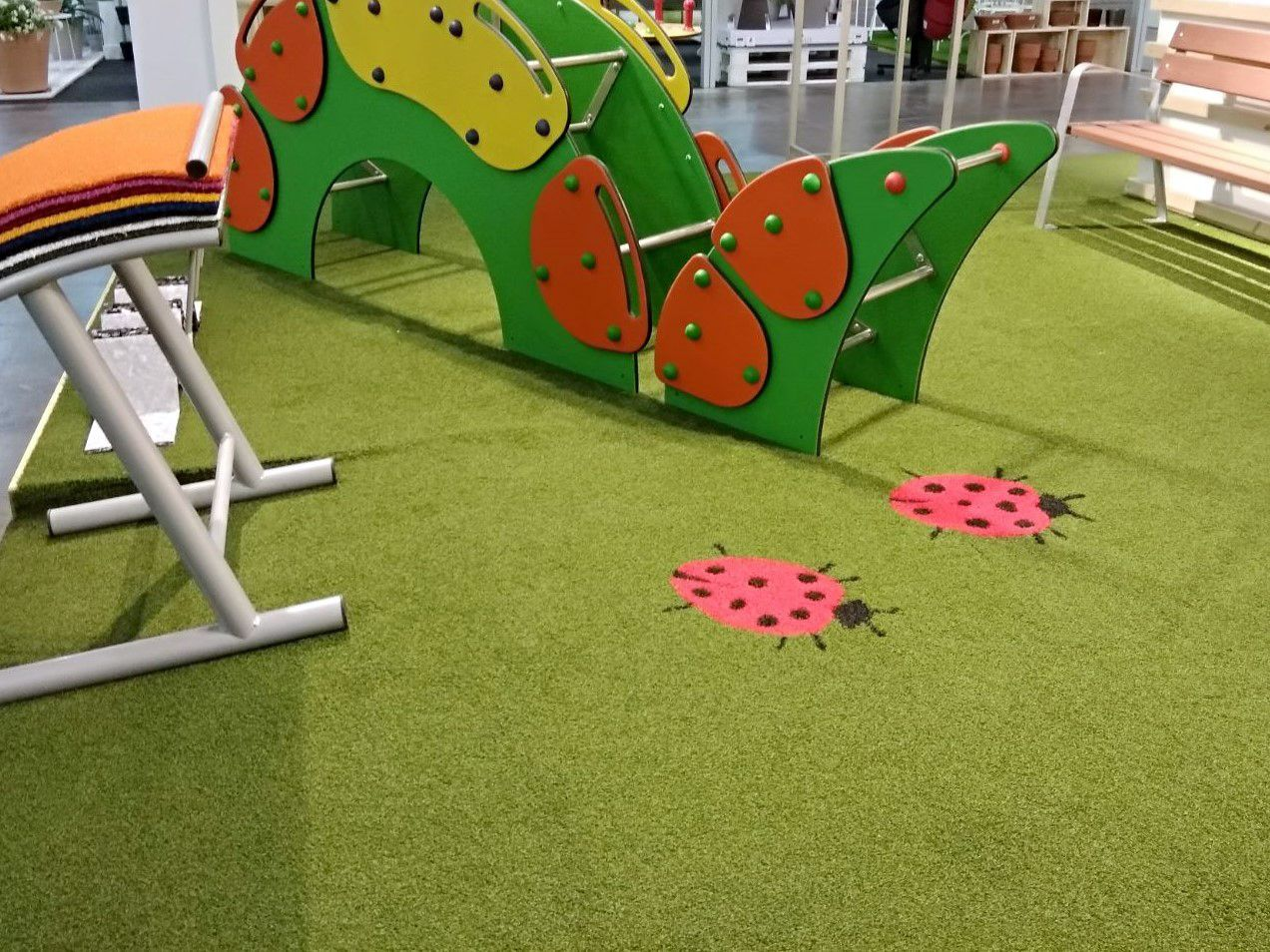 Cesped artificial areas infantiles