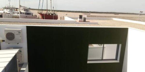 cesped artificial fachada interior 600x300 - Donde comprar césped artificial