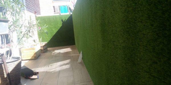 cesped artificial fachadas 600x300 - Donde comprar césped artificial