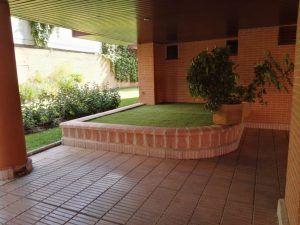 cesped artificial jardineras 1 300x225 - Donde comprar césped artificial