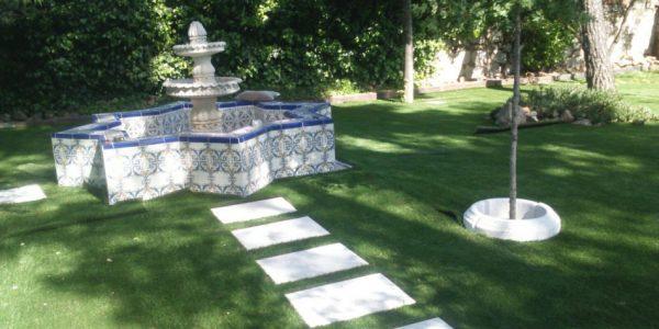 cesped artificial jardines 3 600x300 - Donde comprar césped artificial