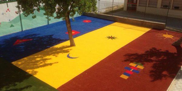 cesped artificial parque infantil 2 600x300 - Donde comprar césped artificial