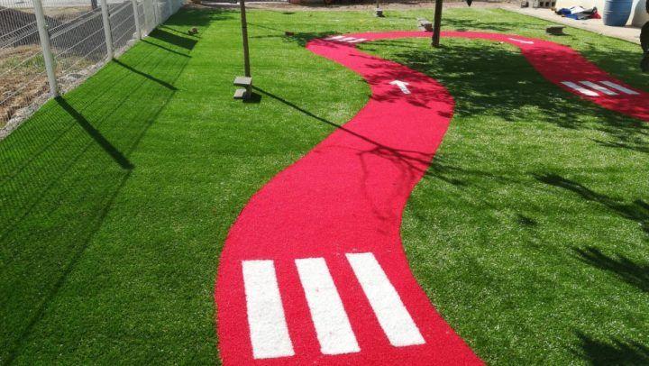 cesped artificial suelo parque infantil